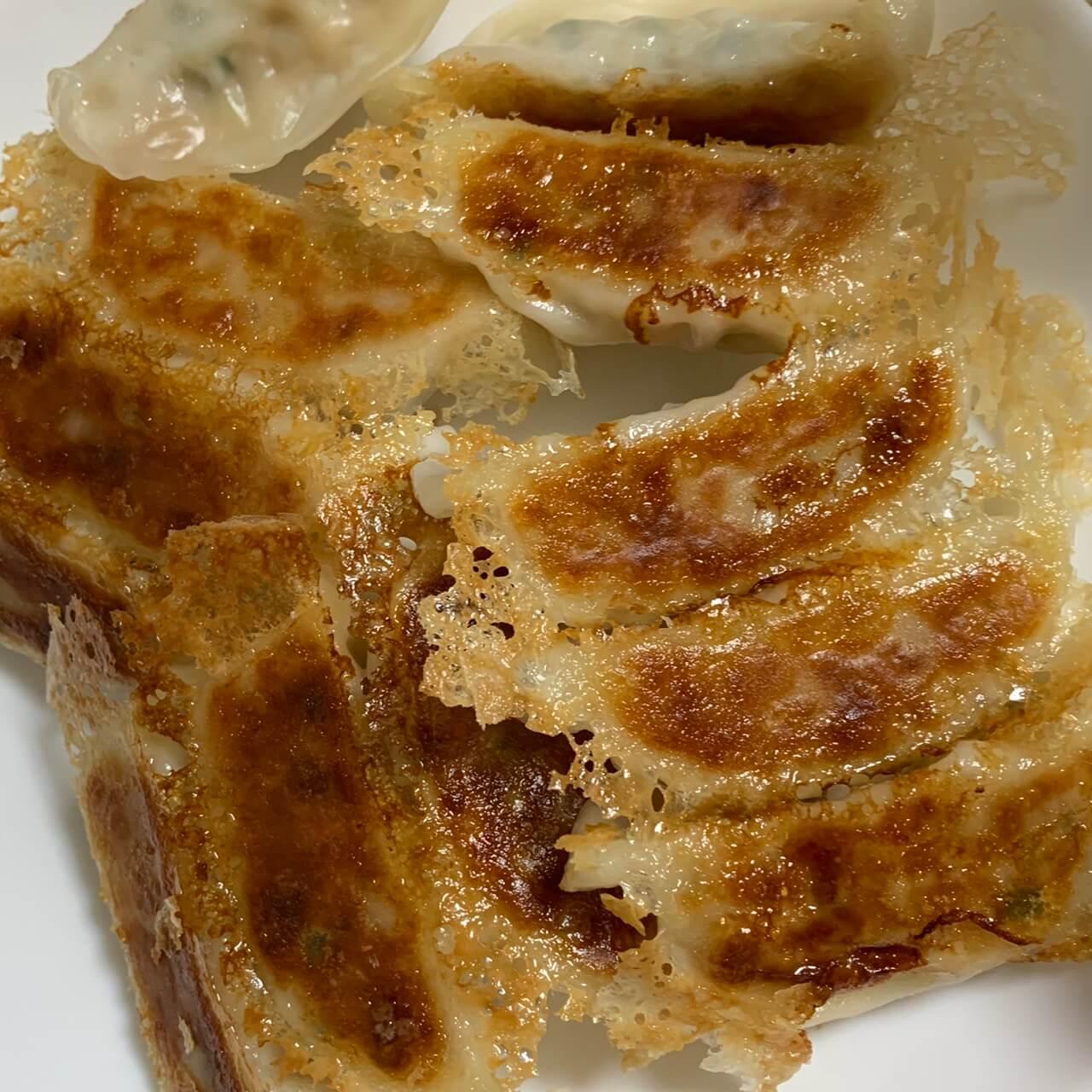 お手軽に冷食餃子【味の素のしょうがギョーザ】簡単に羽根つきパリッ